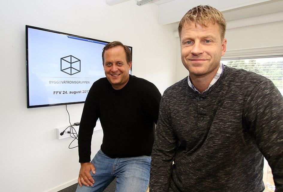 BOVGs fagansvarlige for våtrom, takstmann og våtromstekniker, Fredrik Ruhe og takstmann og byggeleder Øivind Solberg